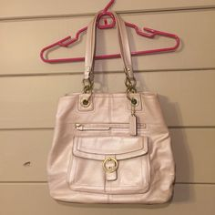 Coach bag This bag was gently used! Super cute & has a good amount of space inside! Coach Bags Shoulder Bags