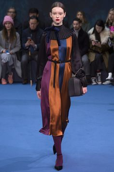Roksanda Fall 2016 Ready-to-Wear Fashion Show  http://www.theclosetfeminist.ca/  http://www.vogue.com/fashion-shows/fall-2016-ready-to-wear/roksanda/slideshow/collection#4