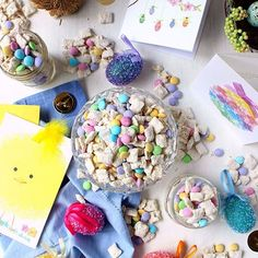 happy food!! this easy easter bunny chow takes just 15 mins + 6 ingredients to make and is SO bright, cheery, and delicious! paired with an @amgreetings card -- @papyrus is my favorite! -- this sweet treat instantly transforms into an adorable, thoughtful gift any host would love. all the details are in my prof xo #ad . . . . . . . . . http://www.wrytoasteats.com/easy-easter-bunny-chow-six-ingredients/ #eeeeeats #feedfeed @thefeedfeed #f52grams #foodandwine #buzzfeast  #wrytoast #foodgawker…