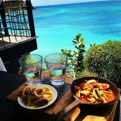 Here's a @soniatreb23 tucking into a delicious island style #seafood lunch atCocobayResort #cocobay