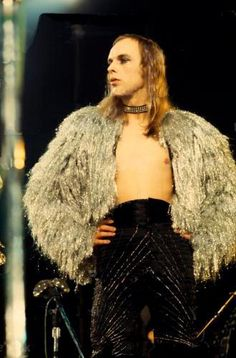 Brian Eno live with Roxy Music during 1973