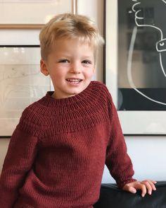 Ankers Sweater pattern by PetiteKnit Boys Knitting Patterns Free, Sweater Knitting Patterns, Knitting For Kids, Knit Patterns, Free Knitting, Baby Knitting, Knitting Projects, Boys Sweaters, Hand Knitted Sweaters