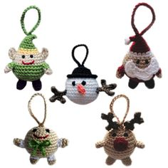We adore these chubby and cheery handmade crochet ornaments! This pattern shows you how to make a round Rudolph, Santa, Frosty, and more.