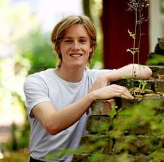 Louis Hofmann, Kirito, Celebs, Celebrities, Cute Guys, Music Artists, Character Inspiration, Actors, Portrait