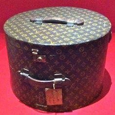 A moveable feast Louis Vuitton Dress, Vuitton Bag, Louis Vuitton Handbags, Vintage Hat Boxes, Vintage Purses, Louis Vuitton Collection, Housekeeper, Vintage Luggage, Cartonnage
