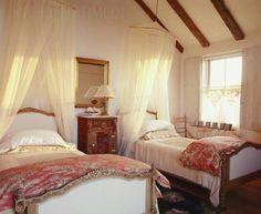 Roses and Rust: Monday Musings - Top Twenty Twin Bedrooms