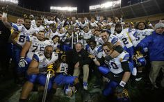 Spartan football team is now ranked 21st in the nation! #SJSU #SpartanSports