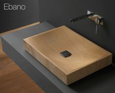 wooden sink on matte grey bathroom vanity shelf - Meubles de salle de bain aspect bois Ebano