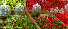 พริก Chili, Stuffed Peppers, Vegetables, Plants, Food, Chile, Chilis, Stuffed Pepper, Vegetable Recipes