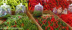 พริก Chili, Stuffed Peppers, Vegetables, Plants, Food, Chile, Stuffed Pepper, Essen, Vegetable Recipes