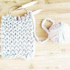 RG @basic_element_lifeWork in progress  #chunkyknits #scarf #merinowool