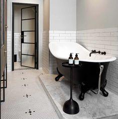 ▪️Connaissez-vous cette matière ? Grâce à ses nombreuses qualités, le corian est un matériau noble particulièrement adapté à une utilisation dans la salle de bains. ▪️Pour en connaître tous ses secrets, rendez-vous sur notre blog. #corian #article #blog #hydropolis #salledebains #designer #architecte #decorationinterieure #deco #homedecor #bathroom #matiere #RexaDesign #Falper #hidroboxbyasbara Photo : Victoria&Albert Bathroom Goals, Bathroom Inspo, Modern Bathroom, Solid Surface, Victoria And Albert Baths, Clawfoot Bathtub, Bathroom Accessories, Awards, New Homes