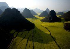 Chocolate Hills, China [960 x 687] - Imgur