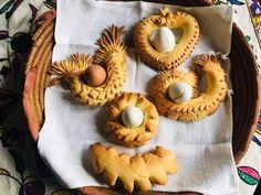 S'Angui - Coccoi De Pasca - Pane Coccò con Uovo - Pane Pasquale Sardo - YouTube Pane Pasquale, Mini Cupcakes, Pain, Muffin, Pizza, Breakfast, Desserts, Recipes, Easter