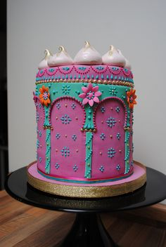Would look fab with shimmer and shine on top Jasmine Cake, Jasmine Party, Arabian Party, Arabian Nights Party, Beautiful Cakes, Amazing Cakes, Shimmer And Shine Cake, 6th Birthday Parties, Baby Birthday