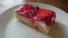 Base: wholegrain flour  Cream: cream, cheese, sugar  Topping: strawberries. Gelatin, juice Cream Cream, Gelatin, Strawberries, Juice, Cheesecake, Base, Sugar, Desserts, Food