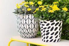 Blumentöpfe bemalen oder mit Serviettentechnik bekleben