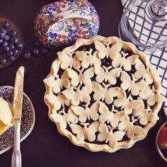 Butterfly pie crust