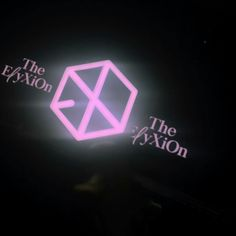180319-16 The ElyXiOn in BKK  #EXO #EXOgoods #EXOthings #dark #exolightstick