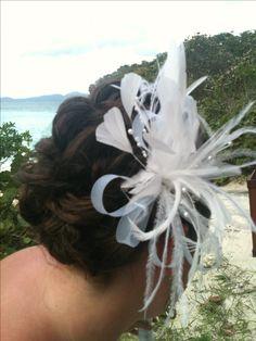 Love the vintage feather hair clip!! #stjohn #islandstyleweddings #beachwedding