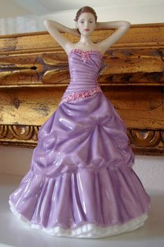 Royal Doulton Pretty Ladies Fine Bone China Figurine ~ Sara ~ New in Box $280 Purple Hues, Shades Of Purple, Royal Doulton, Porcelain Ceramics, China Porcelain, Shabby Chic Accessories, Little Ballerina, Half Dolls, My Fair Lady