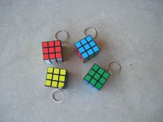 2 Chaveiros Mini Cubo Mágico - R$ 10,00