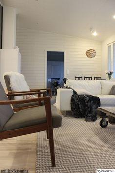 olohuone,tuolit,talja,moderni,vaalea sisustus,kodikas