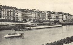"Swimming on boats at Danube canal is not new! The public ""Current bath"" at Weißgerberlände was founded 1904.  #Vienna #olddays #Wien"