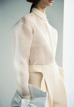 I love such delicate and ethereal fabrics, but I bet they are bitch to actually live in... Delpozo