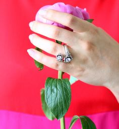 Let your timeless inner beauty bloom to the fullest just like this precious Ouverture ring. #Baunat #DiamondJewelry #DesignJewelry #Diamonds #DesignRing #Engagement #EngagementRing #Wedding #Proposal #EngagmentIdeas #Flower #DiamondRing