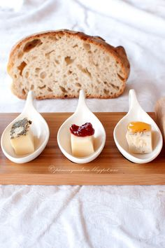 Pane e acqua di rose: Amuse bouche di formaggi