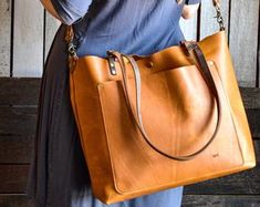 Vintage leather tote, everyday tote bag distressed style leather woman handbag, original and customizable woman bag gift ladybuq art Tote Handbags, Cross Body Handbags, Leather Handbags, Leather Bag, Clutch Bag, Tote Bag, Crossbody Bag, Potli Bags, Wedding Bag