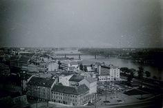 Stará Bratislava Bratislava, Paris Skyline, Arch, History, Travel, Fotografia, Longbow, Historia, Viajes