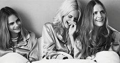 http://ift.tt/2lMnI4Y http://ift.tt/2lr0pet  LONDRES Febrero 2017 /PRNewswire/ -La revista PORTER saldrá a la venta en todo el mundo a partir del viernes 10 de febrero La actriz diseñadora y modelo británica Poppy Delevingne habla con la galardonada revista de moda global PORTER acerca de su relación con sus hermanas que son todo para ella porque somos exactamente iguales. Cara la más joven comenta a PORTER no quiero ni imaginarme un mundo donde no estén Poppy y Chloesi una de ellas…
