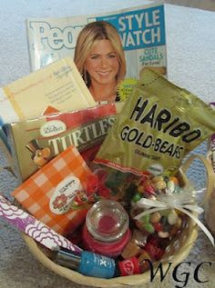 Gift Basket Ideas - this would be my favorite gift ever! lol!