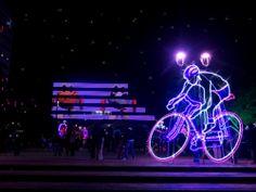 Iluminación y decoración navideña Duitama 2013, fachada mediática, Boyacá, Colombia Neon Signs, Concert, Colombia, Architecture, Concerts