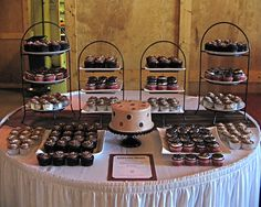 cupcake and wedding cake display | ... platters and various cake stands if ordering a wedding cutting cake
