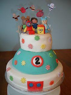 Pretty adorable Show Me Show Me cake :P