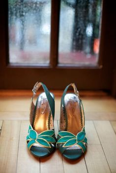 happy feet with teal/aqua + gold. source? #shoes