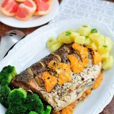 Salată cu brânză, nuci şi seminţe de chimen | Bucate Aromate Guacamole, Psoriasis Remedies, Restaurant, Sans Gluten, Pot Roast, Grapefruit, Cobb Salad, Mashed Potatoes, Pork