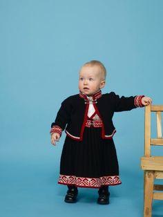 Søk i oppskrifter | Rauma Garn Baby Overalls, Suspenders, Bodice, Baby Kids, Legs, Summer Dresses, Children, Braces, Design