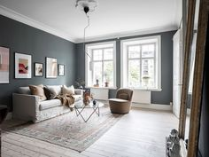 Home with dusty blue and beige walls, coco lapine design, sarah van peteghe Living Room Inspiration, Interior Inspiration, Home Decor Bedroom, Living Room Decor, Murs Beiges, Best Bedroom Paint Colors, Asian Home Decor, Beige Walls, Living Room Lighting