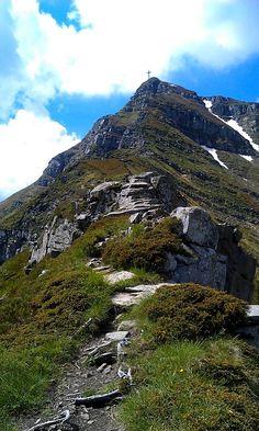 Corno alle Scale dai Balzi dell'Ora, Appennino tosco-emiliano, Italy #hike #trekking