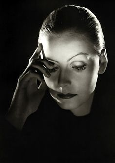 Greta Garbo (I LOVE this photo)