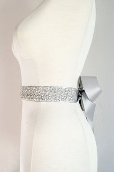 I think something like this would be super awesome for my dress