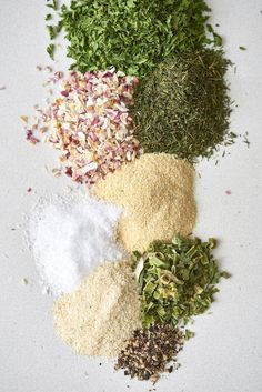 Ranch seasoning is one of the most versatile spice mixes you can stash in the pantry. It's nothing more than a simple blend of dried herbs, spices, salt, and pepper. Homemade ranch dressing is more … Ranch Powder, Ranch Mix, Homemade Ranch Seasoning, Ranch Seasoning Mix, Drying Herbs, Spice Blends, Spice Mixes, How To Make Ranch, Salads