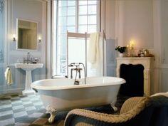 Badezimmer Designs mit Einbaukamine 2026
