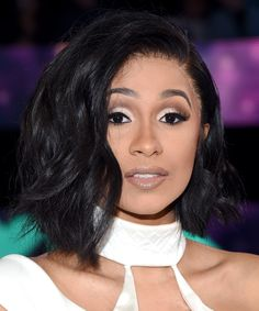 Cardi B Expertly Prevented A Wardrobe Malfunction At The VMAs #refinery29 http://www.refinery29.com/2017/08/169856/cardi-b-nip-slip-vma-exposed-breast#slide-1