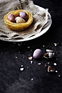 vermicelli nests with speckled chocolate eggs