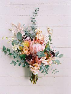 Foto de Casamento Em Atender A Flor Na Lapela Do Noivo e
